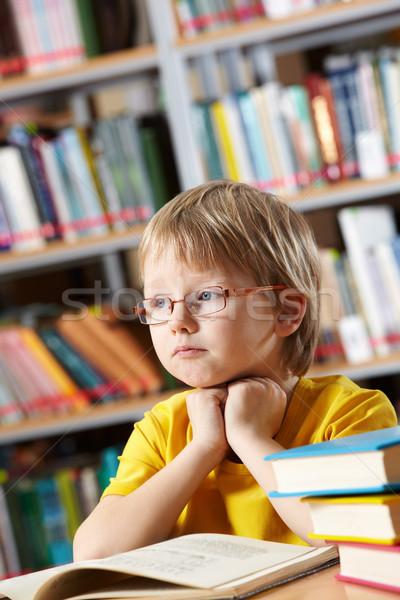 Okuma zaman portre zeki erkek düşünme Stok fotoğraf © pressmaster