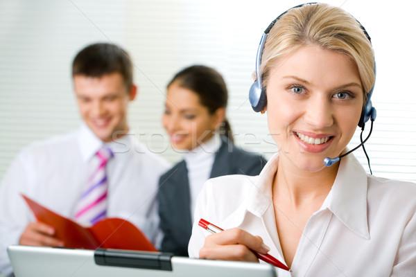 Stockfoto: Vertegenwoordiger · exploitant · portret · charmant · glimlach · vrouw