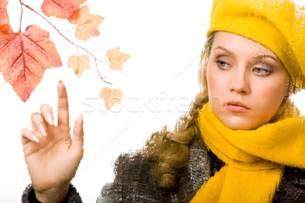 Tristesse portrait triste femme manteau béret Photo stock © pressmaster