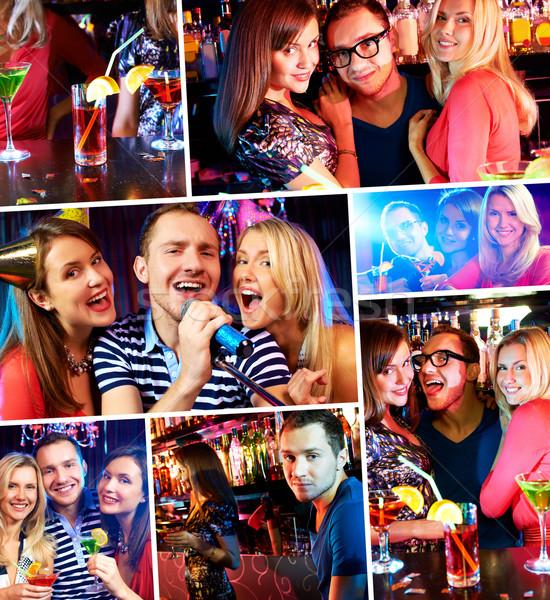 Karaoke bar portret szczęśliwych ludzi śpiewu mikrofon Zdjęcia stock © pressmaster