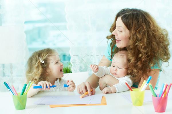 図面 一緒に 美しい 母親 子供 ホーム ストックフォト © pressmaster