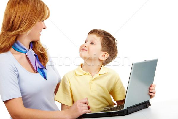 Foto stock: Mãe · filho · imagem · olhando · laptop