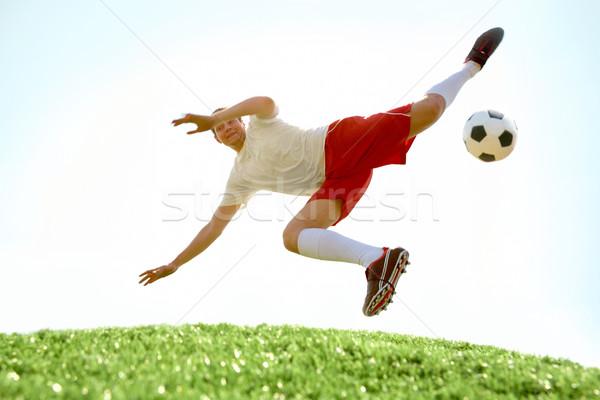 Foto d'archivio: Abile · giocatore · immagine · calciatore · battenti · calci