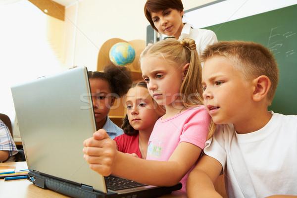 Aprendizagem informação retrato vários crianças professor Foto stock © pressmaster