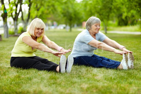 Exercer bíceps senior senhoras corpo flexibilidade Foto stock © pressmaster