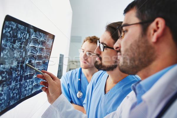 çalışmak genç erkek doktorlar bakıyor xray Stok fotoğraf © pressmaster