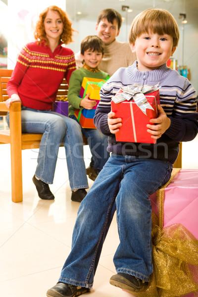 Foto stock: Sorpresa · retrato · positivo · chico · regalo