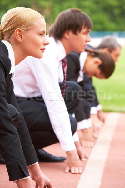 Führend Läufer Bild Geschäftsfrau schauen warten Stock foto © pressmaster