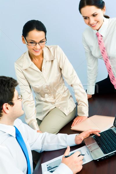 Stock fotó: Csapatmunka · függőleges · kép · három · üzleti · partnerek · megbeszél