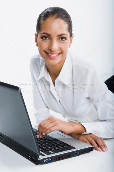 Stajyer yalıtılmış beyaz portre gülen kadın Stok fotoğraf © pressmaster