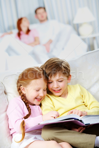 Okuma kitap portre mutlu çocuklar oturma Stok fotoğraf © pressmaster