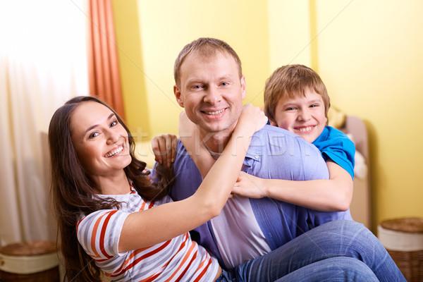 União retrato feliz casal filho olhando Foto stock © pressmaster