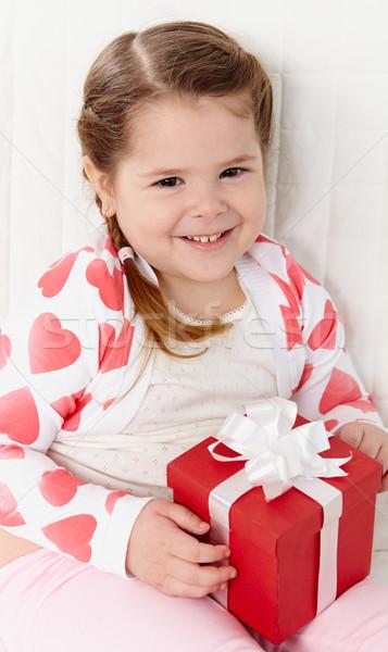 ребенка настоящее портрет счастливая девушка глядя камеры Сток-фото © pressmaster