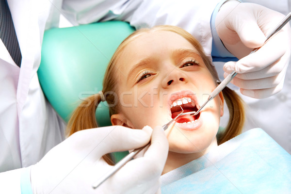 Enfant dentisterie photo faible fille ouvrir Photo stock © pressmaster