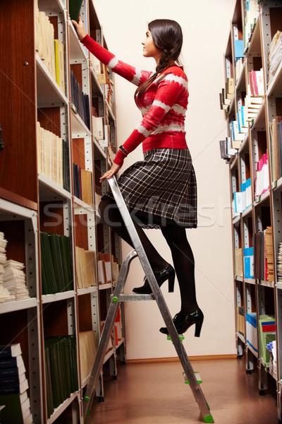 шаги знания портрет книгах Сток-фото © pressmaster