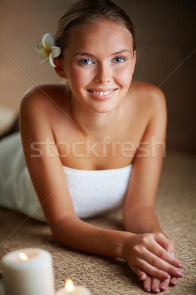 Forrás élvezet portré fiatal női néz Stock fotó © pressmaster