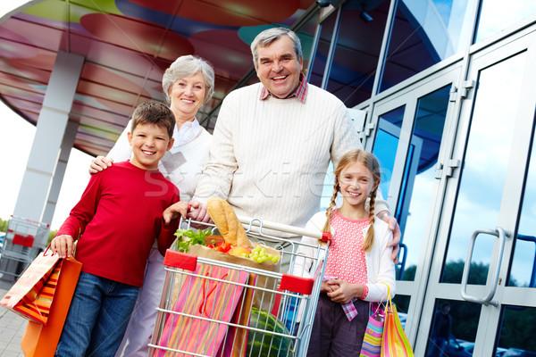 Consumenten portret gelukkig grootouders kleinkinderen pakket Stockfoto © pressmaster