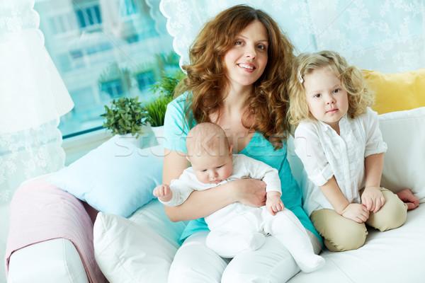 Felice maternità ritratto madre riposo due Foto d'archivio © pressmaster