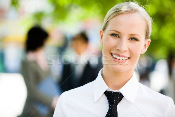 Photo stock: Jeunes · femme · d'affaires · portrait · joli · employé · souriant