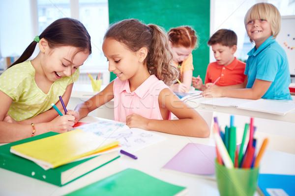 Сток-фото: рисунок · вместе · два · школьницы · группа · Одноклассники