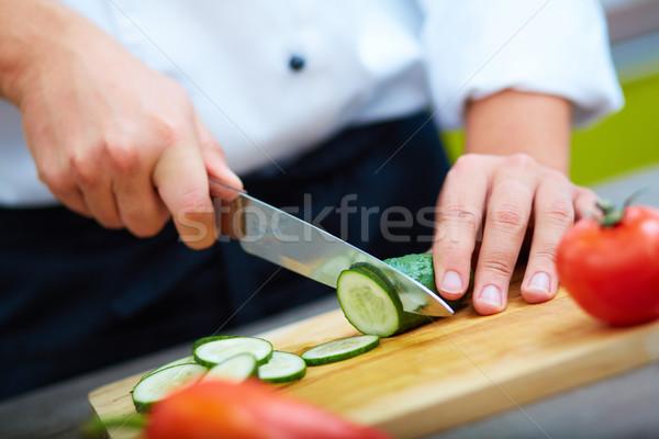 Stok fotoğraf: Salatalık · görüntü · erkek · el · bıçak