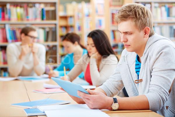 Student touchpad portret knap werken college Stockfoto © pressmaster
