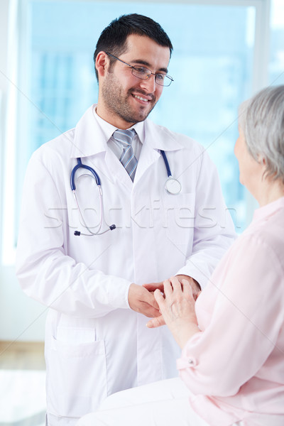 Sympathie arts naar senior patiënt Stockfoto © pressmaster