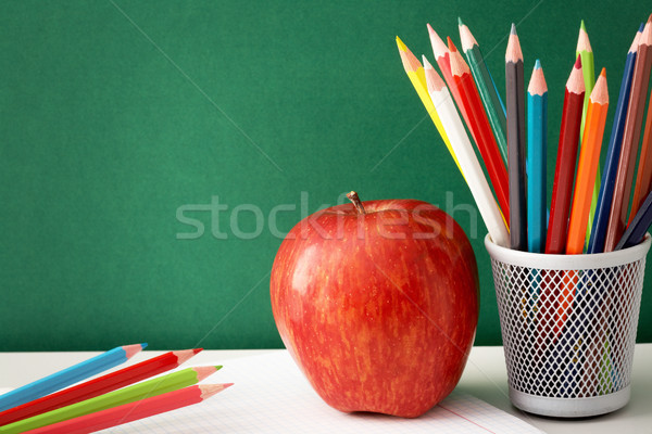 Сток-фото: красочный · карандашей · яблоко · большой · красное · яблоко