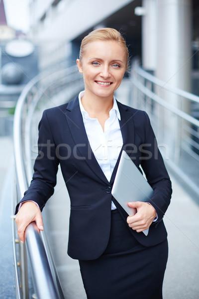деловая женщина touchpad портрет элегантный женщину работник Сток-фото © pressmaster