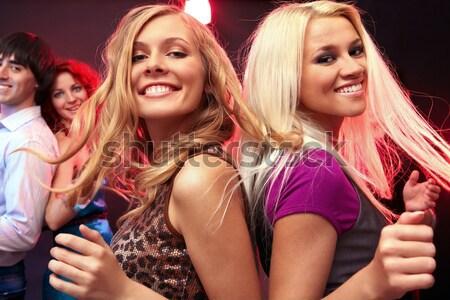 Verdubbelen kus twee gelukkig meisjes zoenen Stockfoto © pressmaster