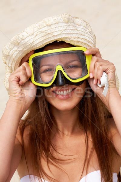 Skuba kız maske plaj Stok fotoğraf © pressmaster