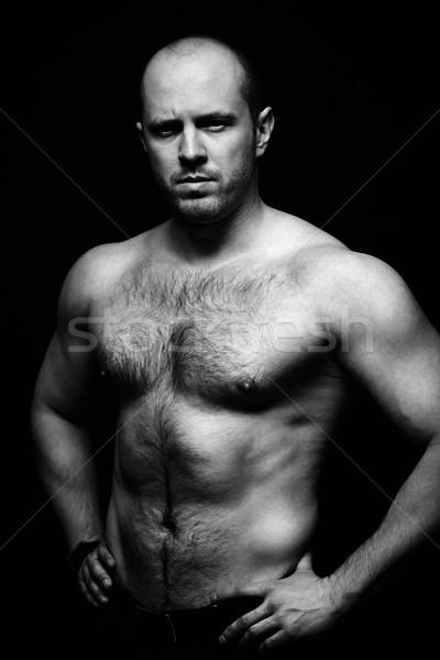 Brutale macho verticale ritratto a torso nudo uomo Foto d'archivio © pressmaster