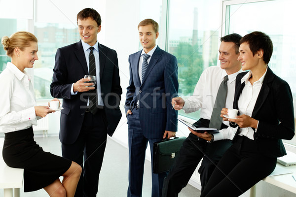 Działalności przerwie pięć koledzy biuro Zdjęcia stock © pressmaster