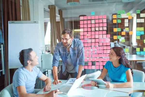 üzleti csoport dolgozik csoport három sikeres üzleti partnerek Stock fotó © pressmaster