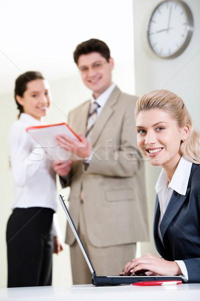 Képviselő nő portré nő üzleti csapat üzlet mosoly Stock fotó © pressmaster