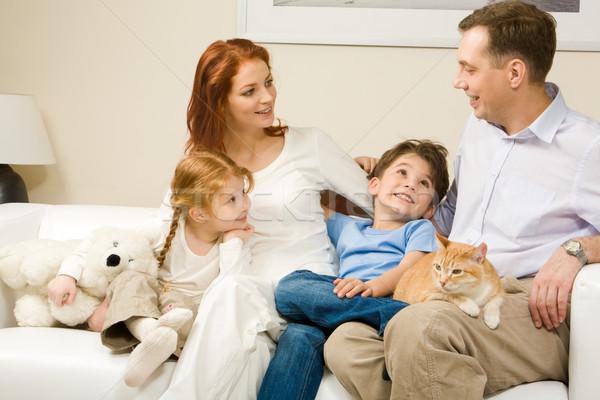 érdekes történet kíváncsi gyerekek nő hallgat Stock fotó © pressmaster
