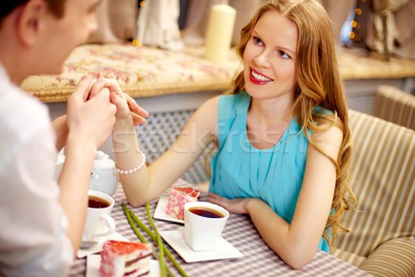 нежность молодые счастливым женщину глядя дружок Сток-фото © pressmaster
