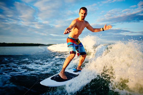 Zomer sport actief jonge man recreatie surfen Stockfoto © pressmaster