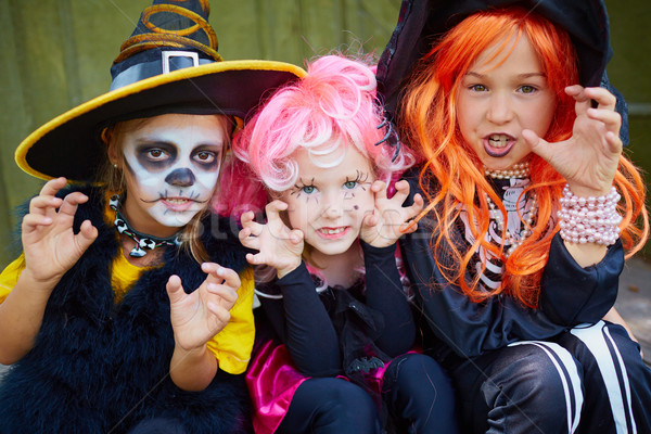 Przerażający dziewcząt portret trzy halloween Zdjęcia stock © pressmaster