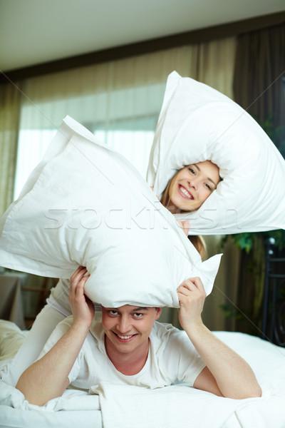 枕 再生 幸せ カップル 演奏 枕 ストックフォト © pressmaster