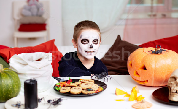 Хэллоуин мальчика фото жуткий таблице черный Сток-фото © pressmaster