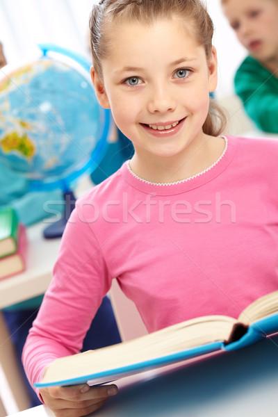 Fille livre portrait puce écolière livre ouvert Photo stock © pressmaster