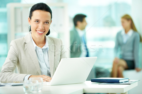 Foto stock: Mujer · trabajo · retrato · bastante · secretario · de · trabajo