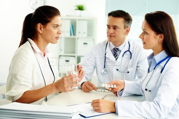 Médico consulta retrato paciente hospital mulher Foto stock © pressmaster