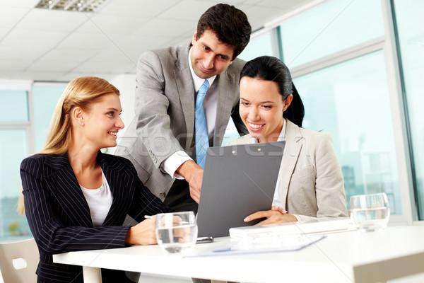 Сток-фото: три · деловые · люди · документы · текущий