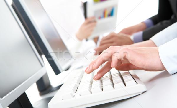 делопроизводства фото женщины рук набрав Сток-фото © pressmaster