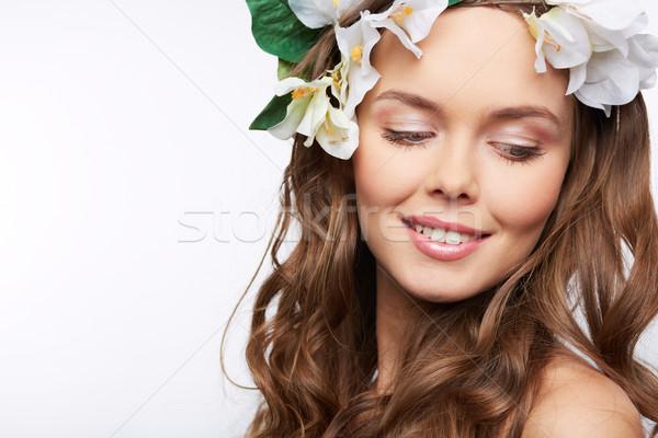 Primavera fascino i capelli ricci fiore Foto d'archivio © pressmaster