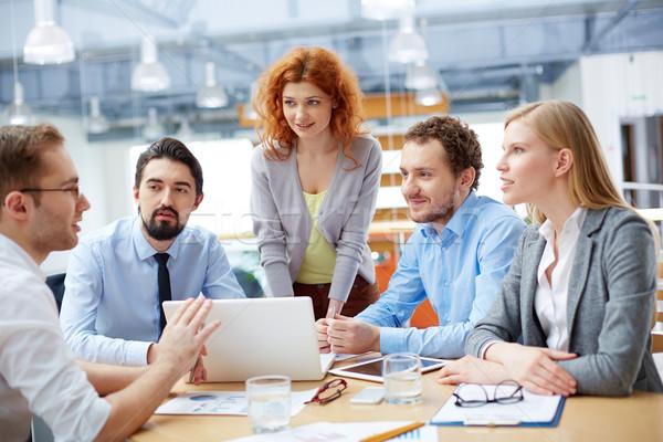 üzleti csoport munka csoport üzleti partnerek néz fiatalember Stock fotó © pressmaster