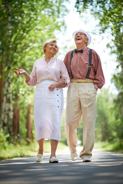 Gioioso tempo felice anziani parlando Foto d'archivio © pressmaster
