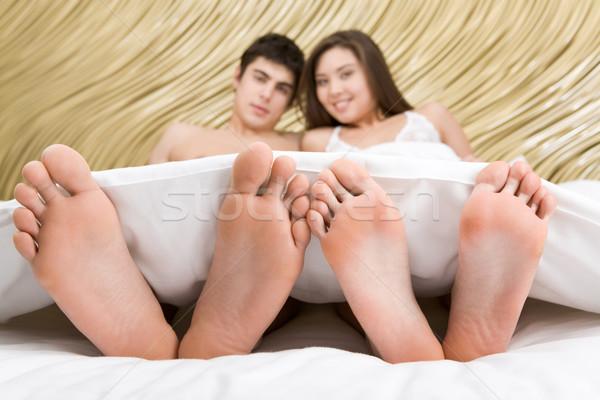Együttlét kép kettő mezítláb boldog pár Stock fotó © pressmaster